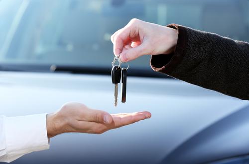 Снятый с учета автомобиль – можно ли покупать и как поставить на учет?